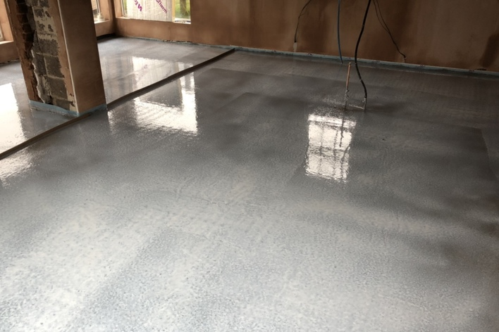 fast drying cement based screed